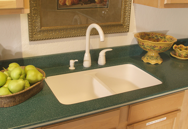 Choose from a wide variety of fabricated counterop products from Dupont, Wilsonart, Formica, Avonite and Laminate with a Gem-Loc edge for custom countertops.